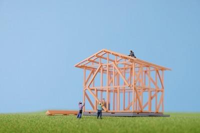 建築中の家の画像