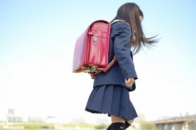 小学生女の子の画像