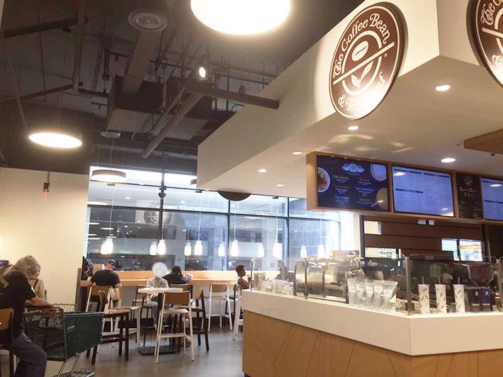 フードランドファームズのカフェ