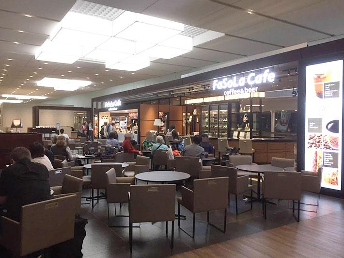 NARITA SKY LOUNGE「和」内のキッズスペース隣接のカフェ